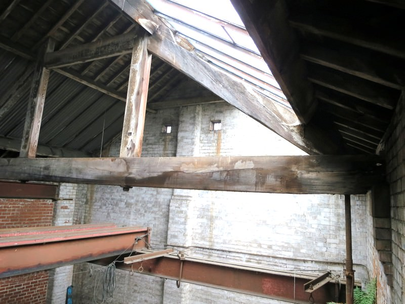 One of the main roof trusses in the large bell tuning shop.