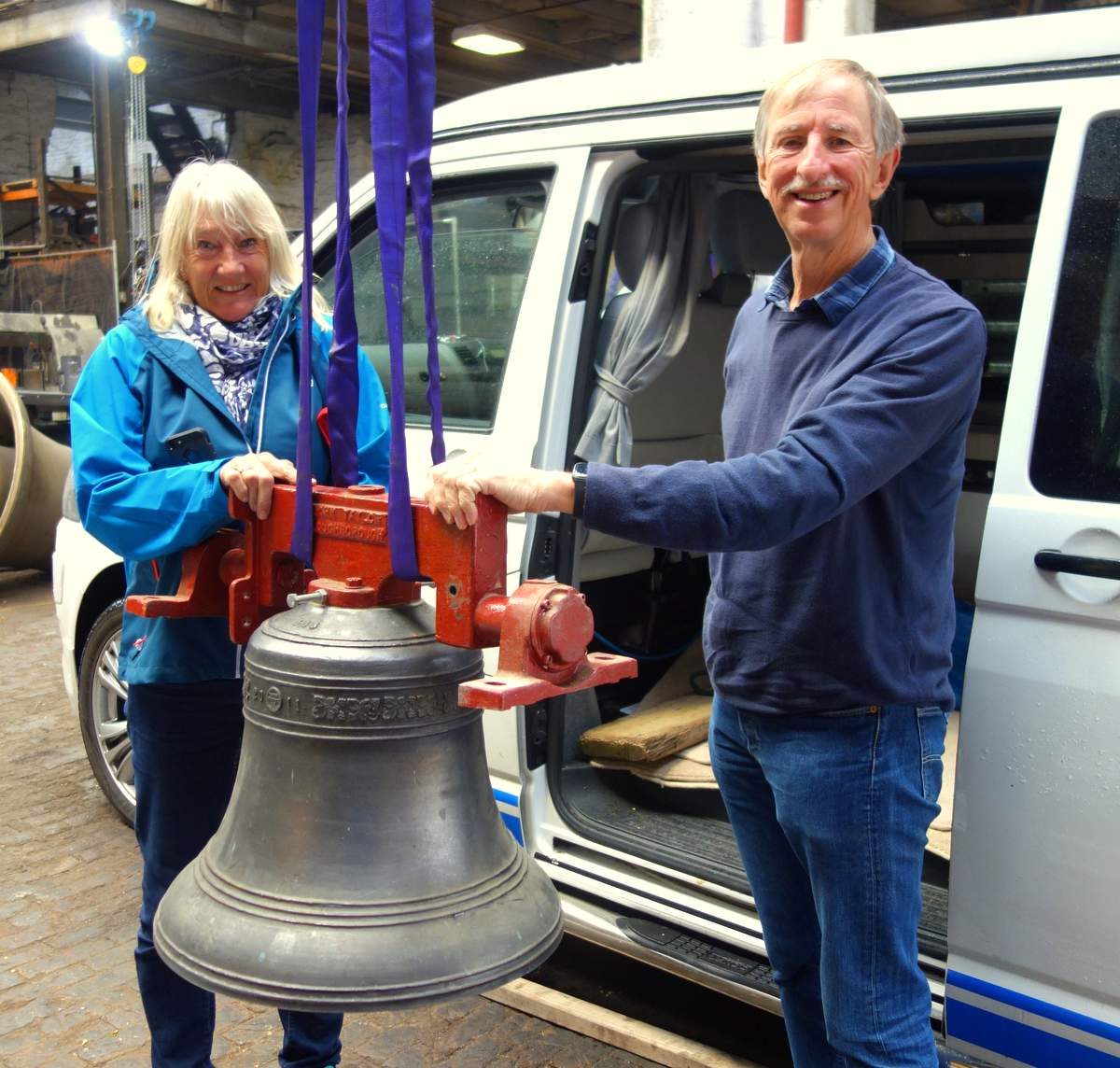 Lesley & Nick delivering the bell from Kent.