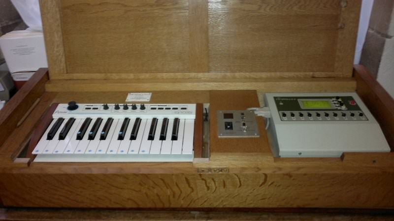 An Apollo programmable unit with keyboard.