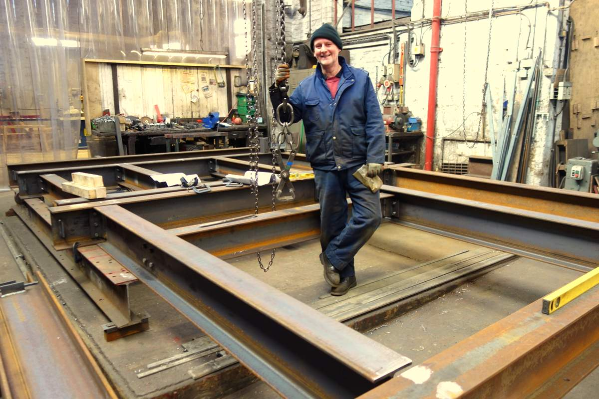 Colin makes a start on the two tier frame - upper and lower grillages are laid out here.