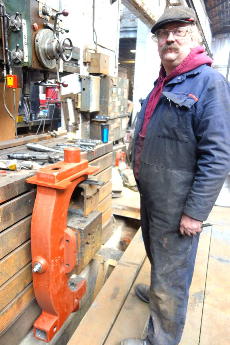 Bill drills the tapered holes to fit the gudgeon pins.